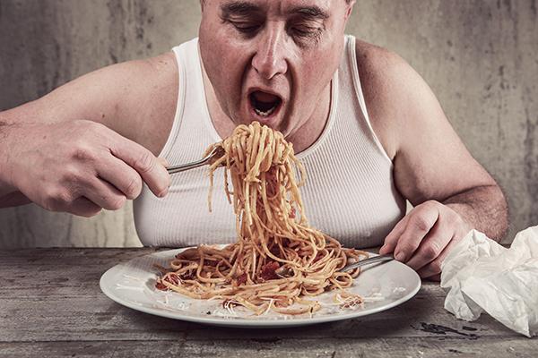 5 cose che non dovresti fare mai dopo aver mangiato comecosaquando